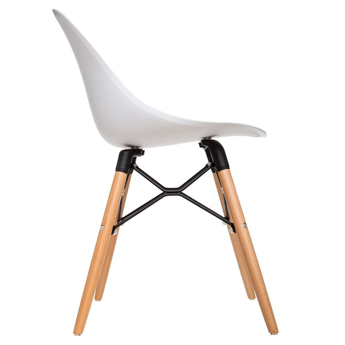 Chaise 'Ezra' blanche, pieds en hêtre blanc